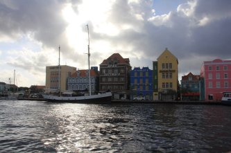 m_Entering Willemstad3