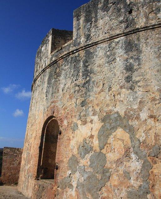 m_Fort at Caracaasbaai2
