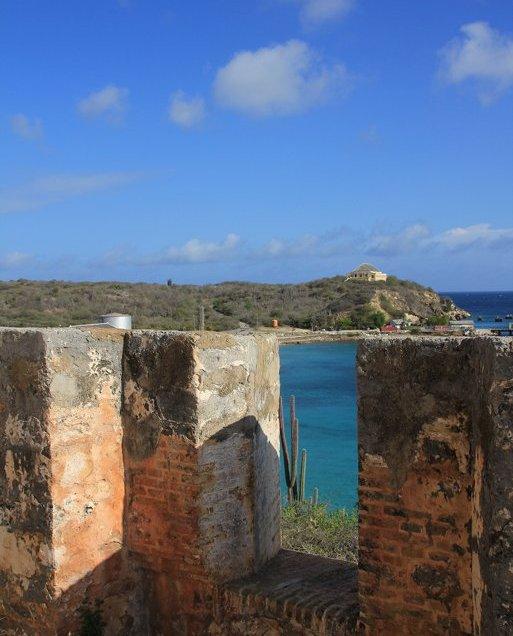 m_Fort at Caracaasbaai3