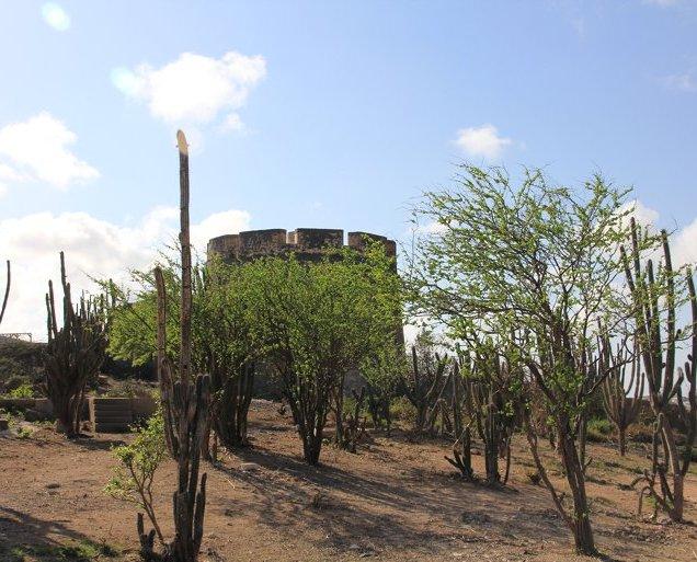 m_Fort at Caracaasbaai5