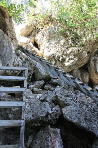 m_Steps to Grand Cave