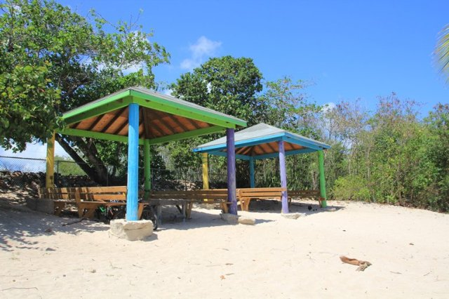 m_Cabana Spotts Beach