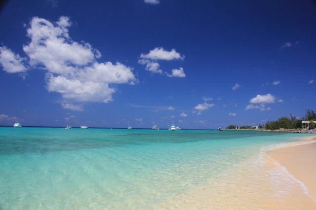 m_West Bay Beach2