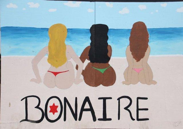 m_Bonaire Bums