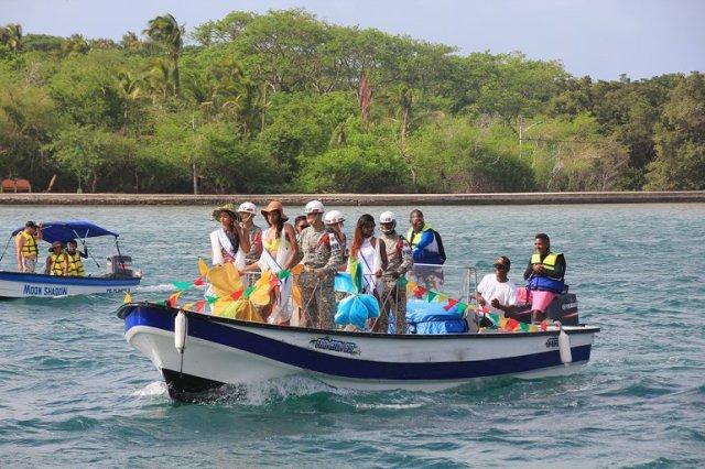 m_Boat Parade2