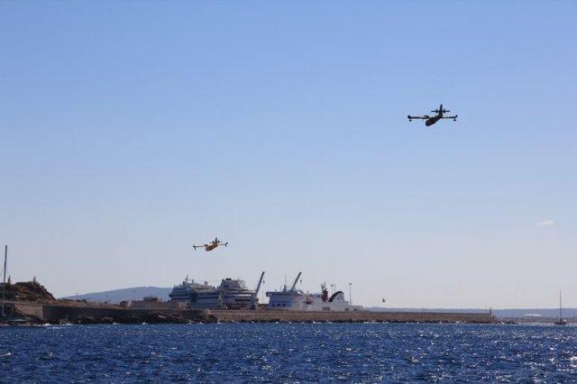 m_Fire fighting planes Palma