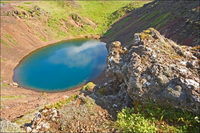 3947-kerid-crater