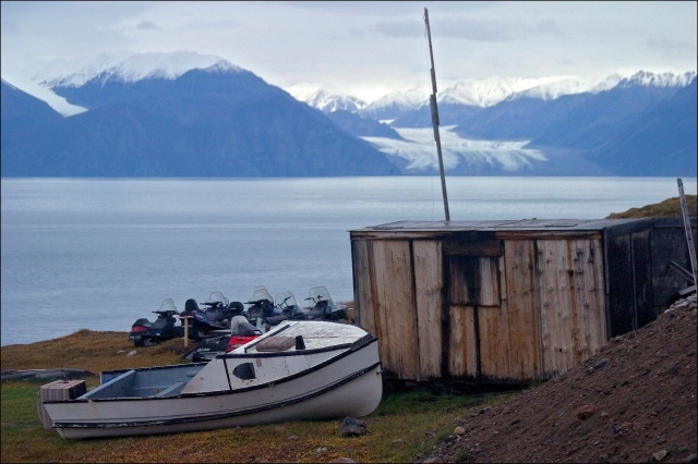 4265-life-at-pond-inlet