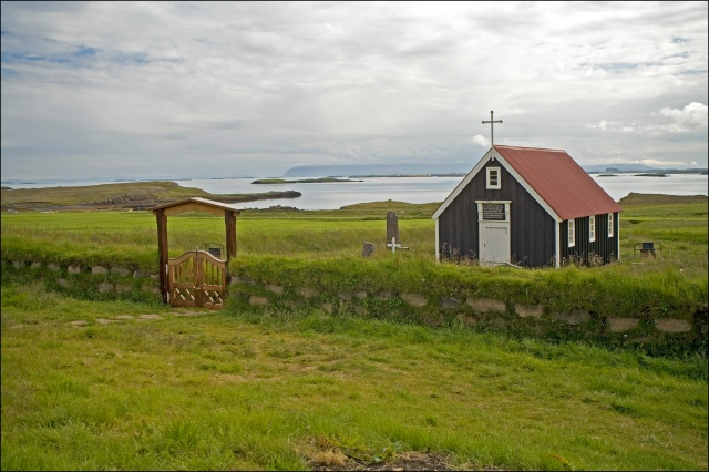 4658-church-at-breidafjordur