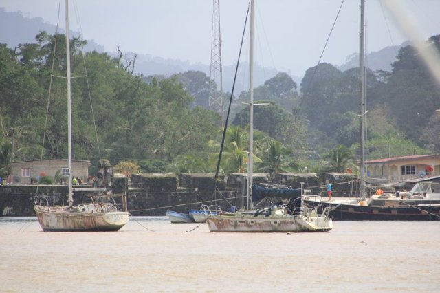 m_abandoned-boats